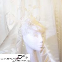 Cute crystal white feather fascinator NR343